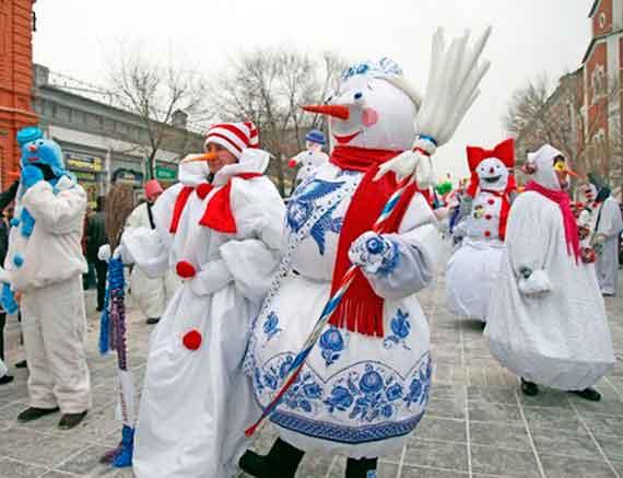 Евпатория проведет парад снеговиков Снежной королевы