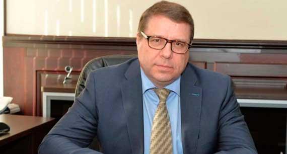 чиновник Николай Брусникин